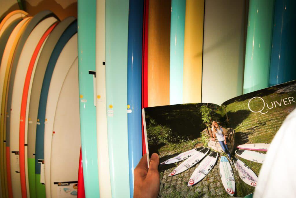 bien choisir sa planche de surf - le livre Surf & Shape aux éditions Pimientos