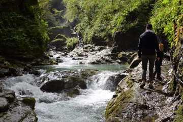 riviere-grotte-gorges-de-kakuetta-pays-basque