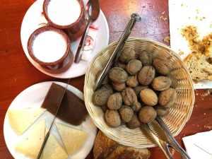cidrerie-chez-txotxxxx-dessert-fromage-noix-pays-basque