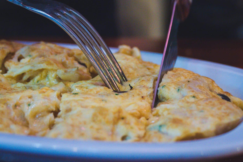Omelette-a-la-morue-Bacalado-Tortilla-sagardotegia-pays-basque
