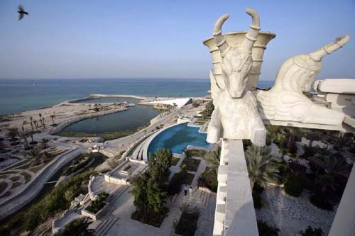 The 7-star Dariush Grand Hotel on Kish Island (please click on the link above for more pictures and information).