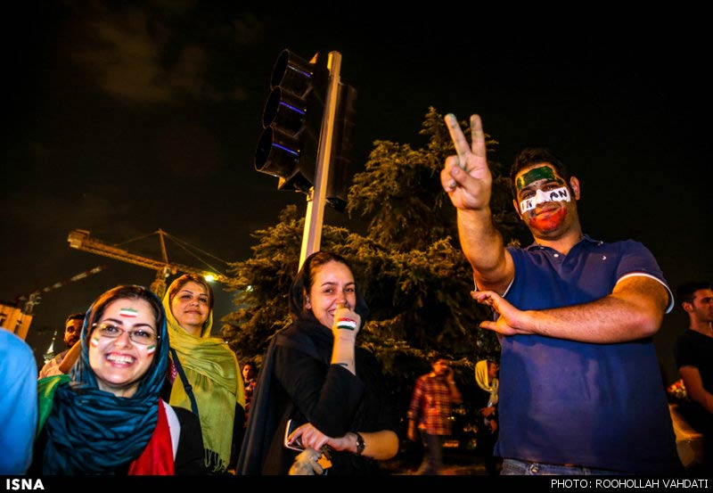 https://i0.wp.com/www.payvand.com/news/14/jun/Iranians-celebrate-after-Argentina-game-2-HR.jpg