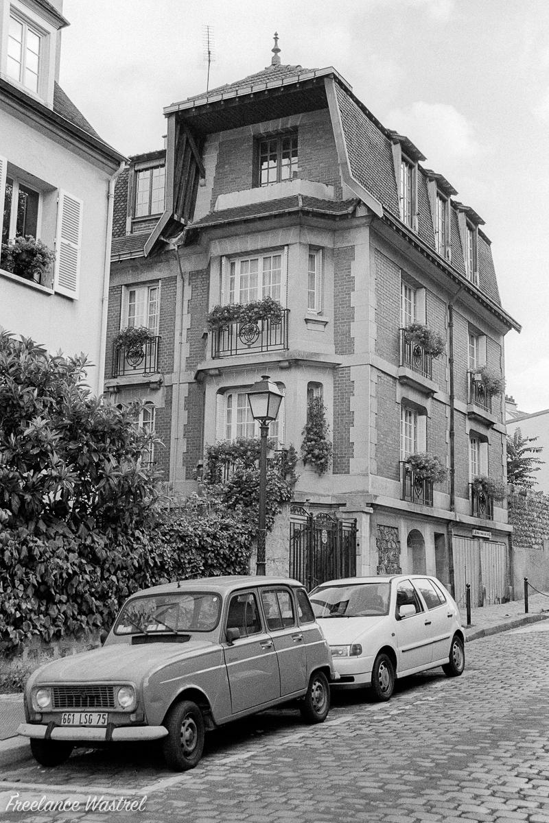 Renault 4 on a Parisian street, September 2000