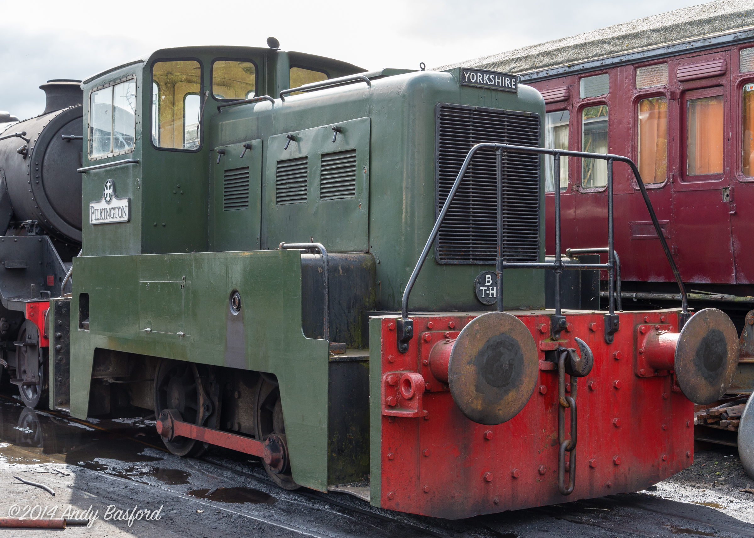 Yorkshire Engine Co Ltd 0-4-0DE 'PILKINGTON' (works no.2782 of 1960)-20140816