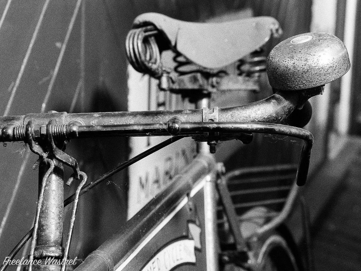 Bicycle bell, Sheringham, September 2018.jpg