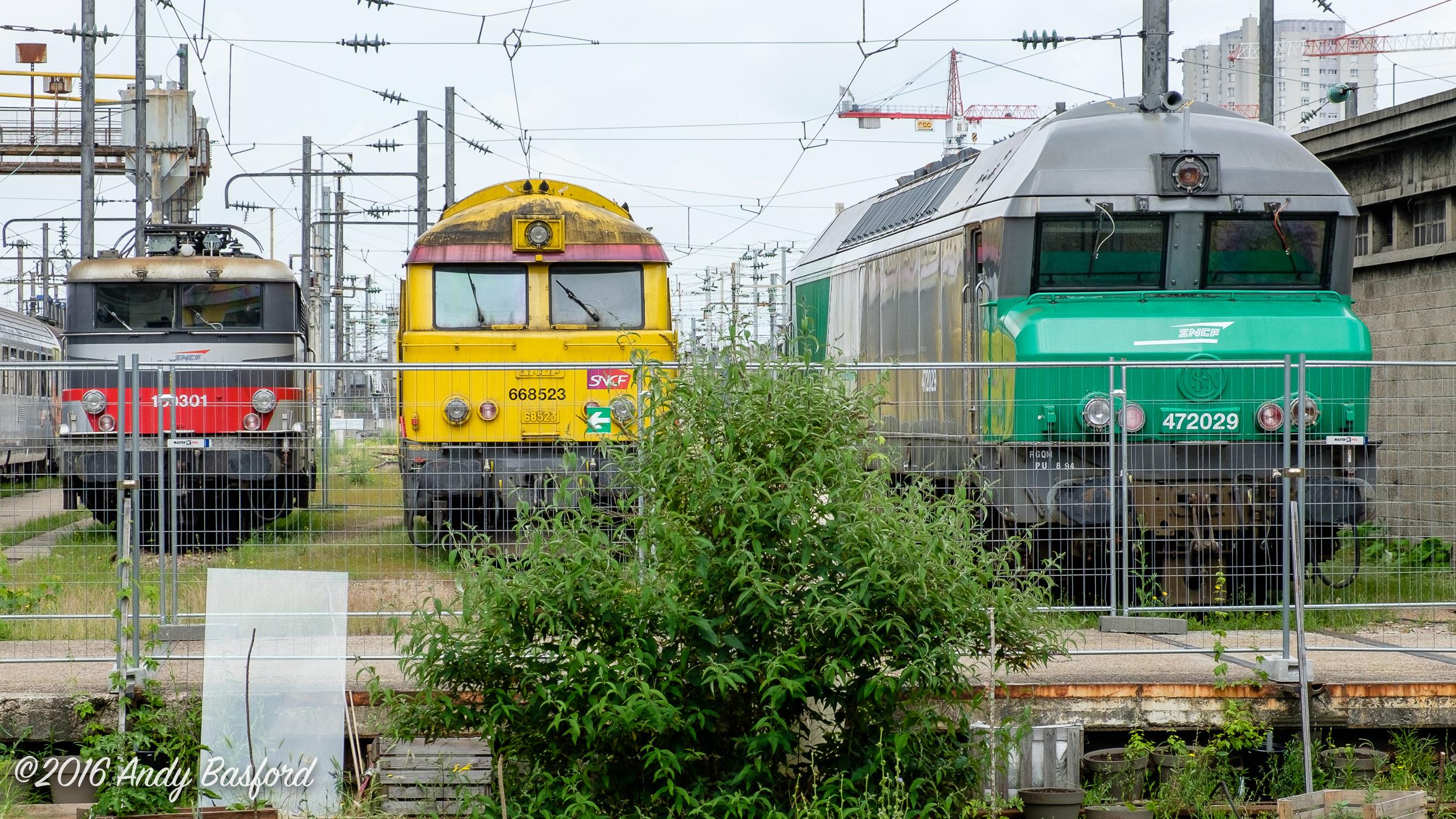 SNCF class BB 9300 109301, class A1AA1A 68500 668523 & class CC 72000 472029-20160618