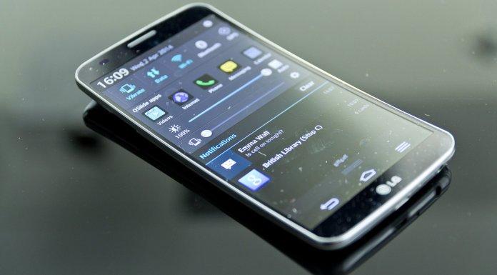 LG G Flex 2 starts receiving the most recent Android 5.1.1 Lollipop OTA update