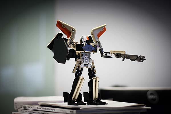 Soundwave: Mi Pad 2 Transformer Toy