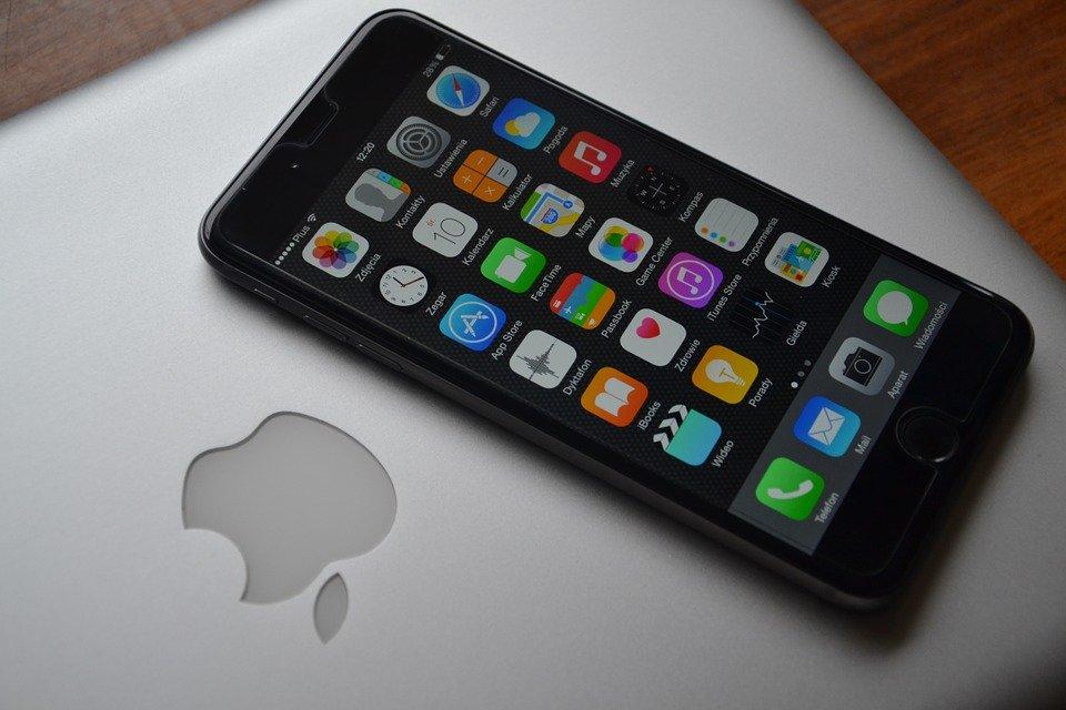 iPhone 8 Iris scanner