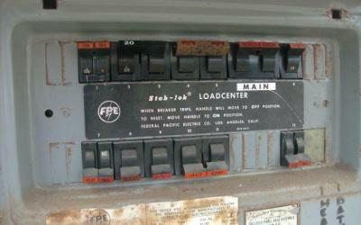 Spotting an Electrical Panel that Needs to be Replaced