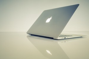 R2PARATION MACBOOK AIR