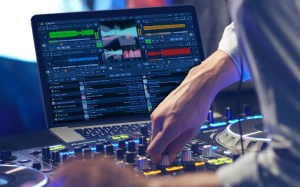DEX 3 Pioneer dj controller