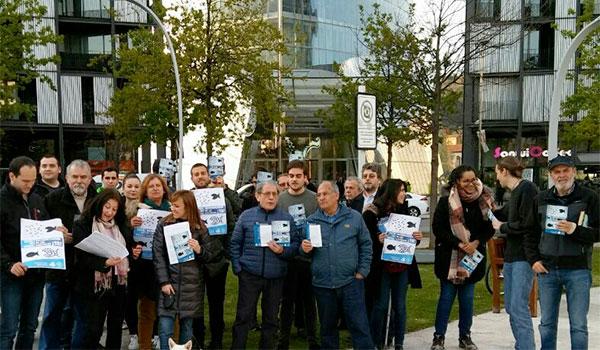 El Partido Comunista de Euskadi-EPK reivindica frente a la Torre Iberdrola la nacionalización de las eléctricas