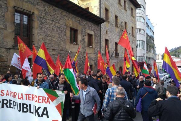 Imágenes del 14 de Abril, día de la República.