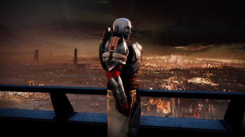 El Comandante Zavala de Destiny 2, líder de la Vanguardia, se para de perfil contra las luces de la Última Ciudad de la Tierra, su atención dividida entre el jugador y la ciudad misma.