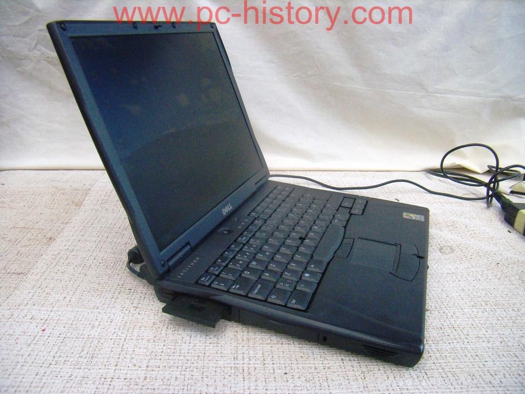 Datoru muzejs » Notebook Dell Latitude Model: PP01L