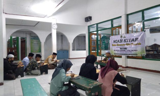 Pertahankan Tradisi  Kesantrian,  Departemen  Dakwah Adakan Ngaji Kitab Kuning