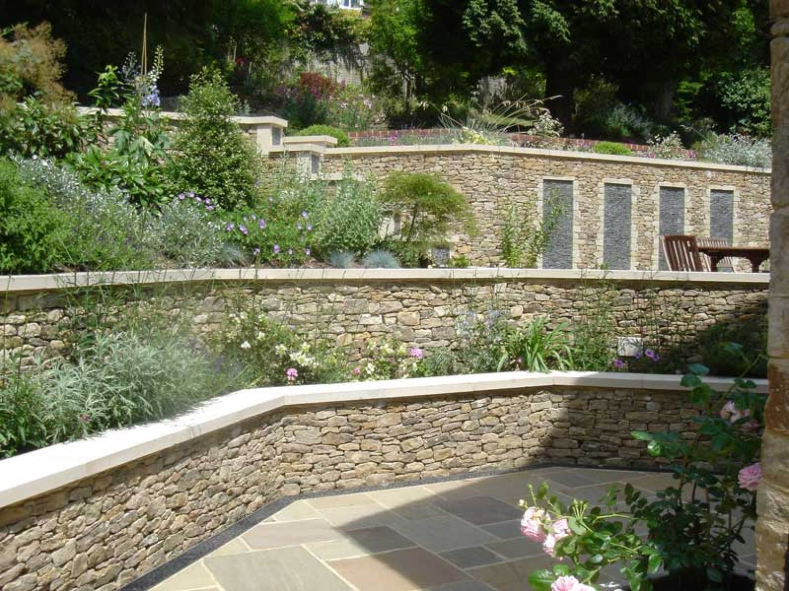 Dry stone wall in guildford pc landscapes for Rock wall garden