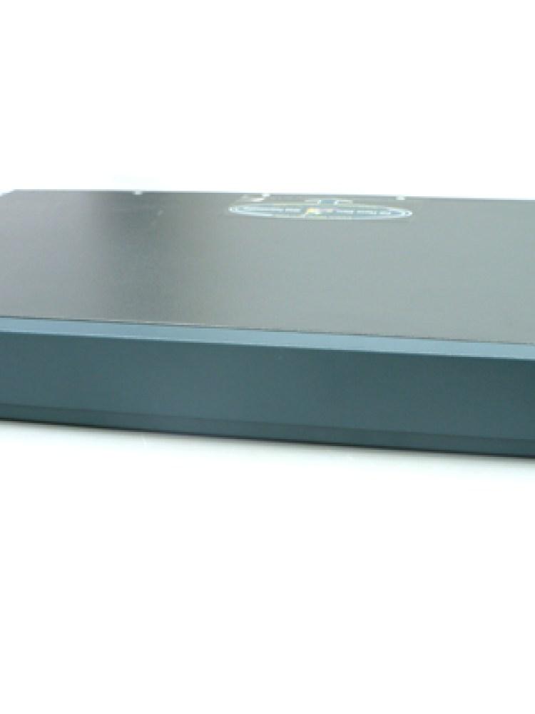 ROUTER CISCO; model: 2600; MANAGEMENT; PORT CONSOLA; PORTURI: 2 x RJ-45 10/100; 'CISCO 2612, 2620'; SH