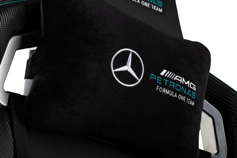 noblechairs EPIC Mercedes-AMG Petronas