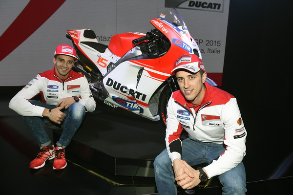 Presentacion-Ducati-MotoGp-2015-11