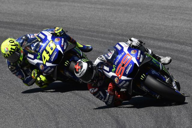 Jorge Lorenzo y Valentino Rossi durante el Gran Premio de Italia