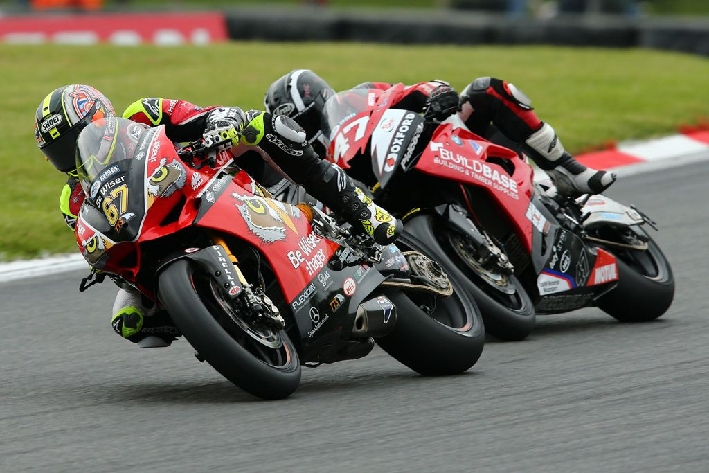 Shakey Byrne en Brands Hatch