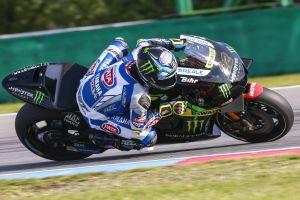 Alex Lowes probando la Yamaha del equipo Tech3