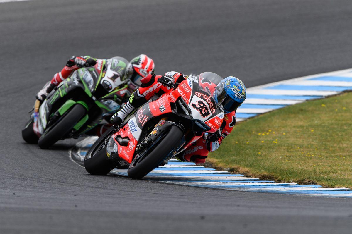 Marco Melandri durante la segunda carrera del Campeonato del Mundo de Superbike en Phillip Island