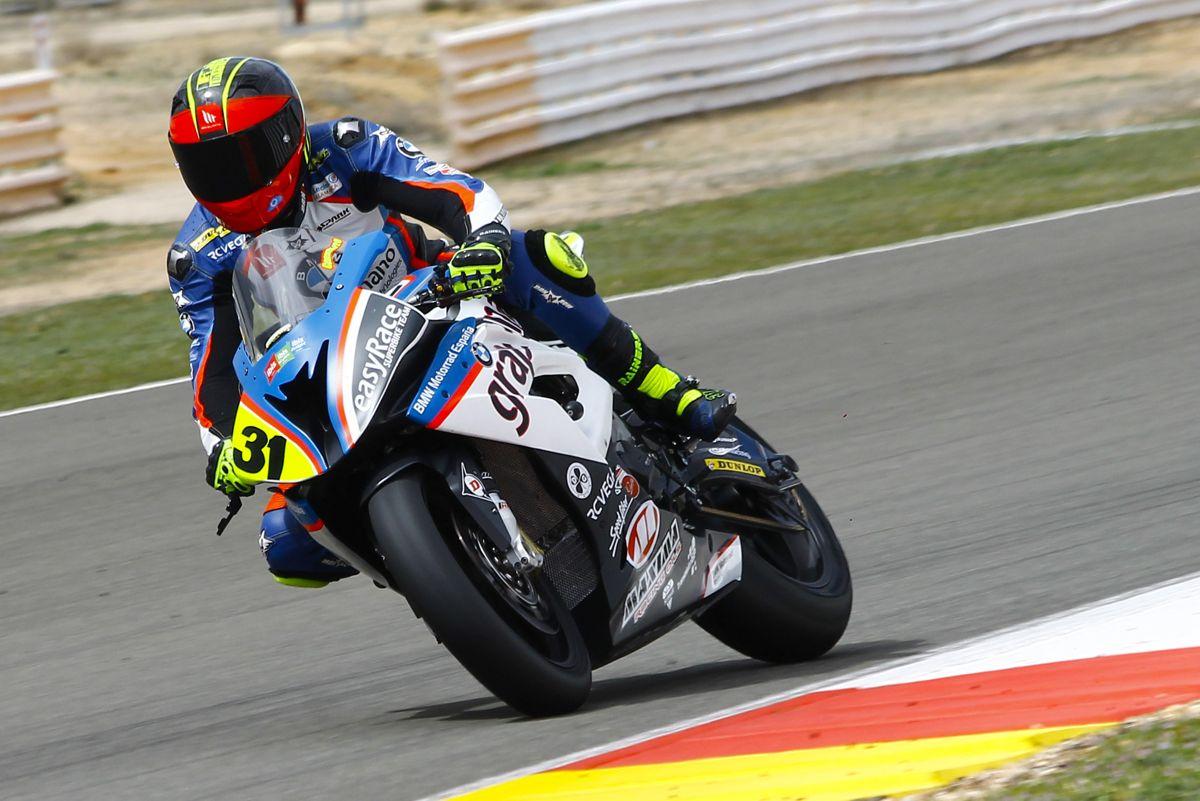 Carmelo Morales durante la carrera de Superstock 1000 del RFME CEV en Albacete