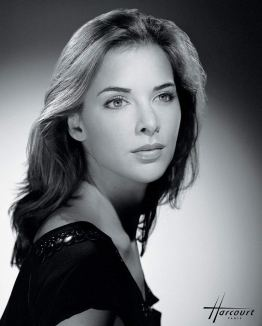 35 - Harcourt - Melissa Theuriau