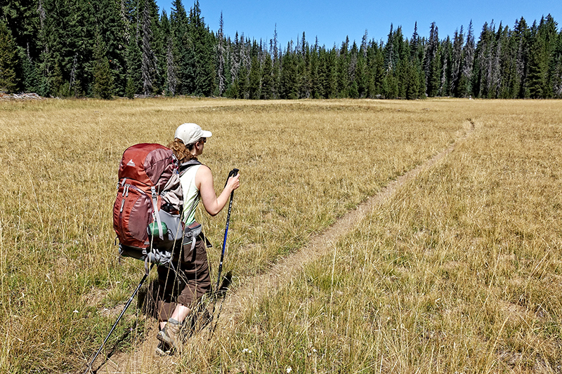 pct-pacific-crest-trail-hiker-three-sisters-elk-lake-oregon-pctoregon.com