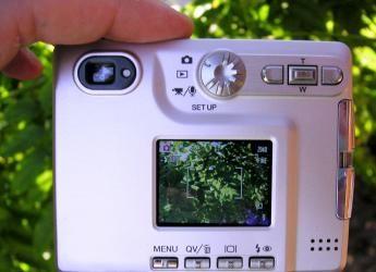 fotocamera_lcd_by_pcweblog