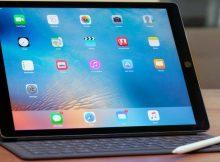 Home di un iPad con tastiera