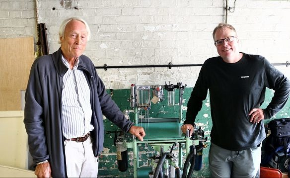 Dr David Enderby and Dr Jim Roberts with the Boyle's machine.
