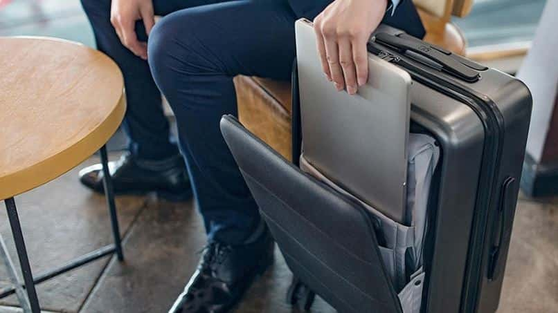 Xiaomi Business 20-inch Travel Boarding Suitcase with $24 GearBest Promo Code Online for Global Users