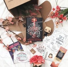 gift_guide_-_sidebar_-_owlcrate