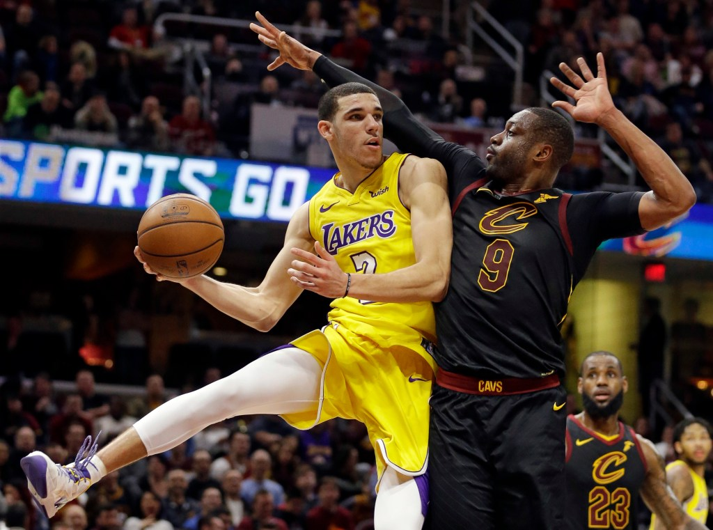 Reaction Lakers Lonzo Ball Shares A Moment With Lebron