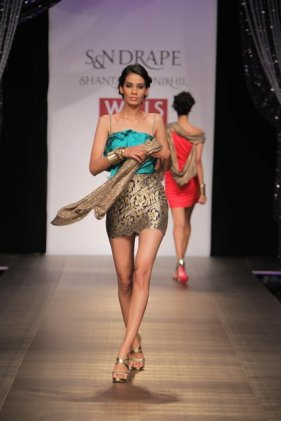 shantanu-and-nikhil-dress