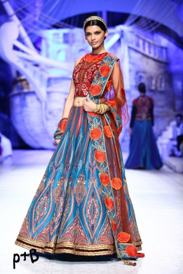 India-Bridal-Fashion_Week-2013-Bridal-Lehenga-JJ Vallaya (9)