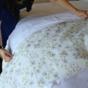 How to Create the Perfect Warm Weather Bed
