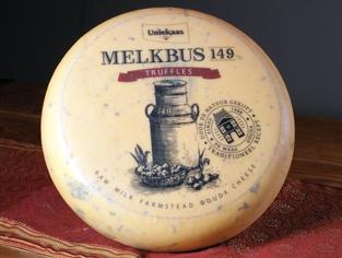 Peacock Cheese Melkbus 149 Truffle Gouda