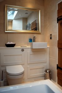 Joiners Cottage - Family bathroom
