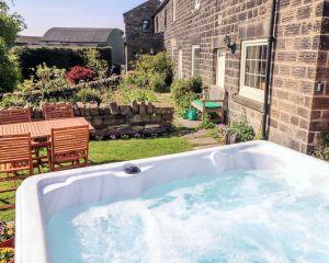 Ringwood, Dungworth, Peak District Holiday - Hot Tub