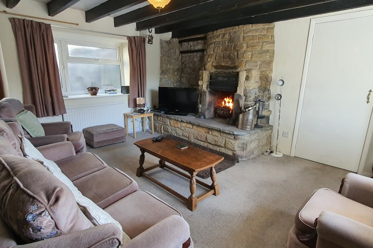 Cornerstones Cottage Tideswell, Sitting Room