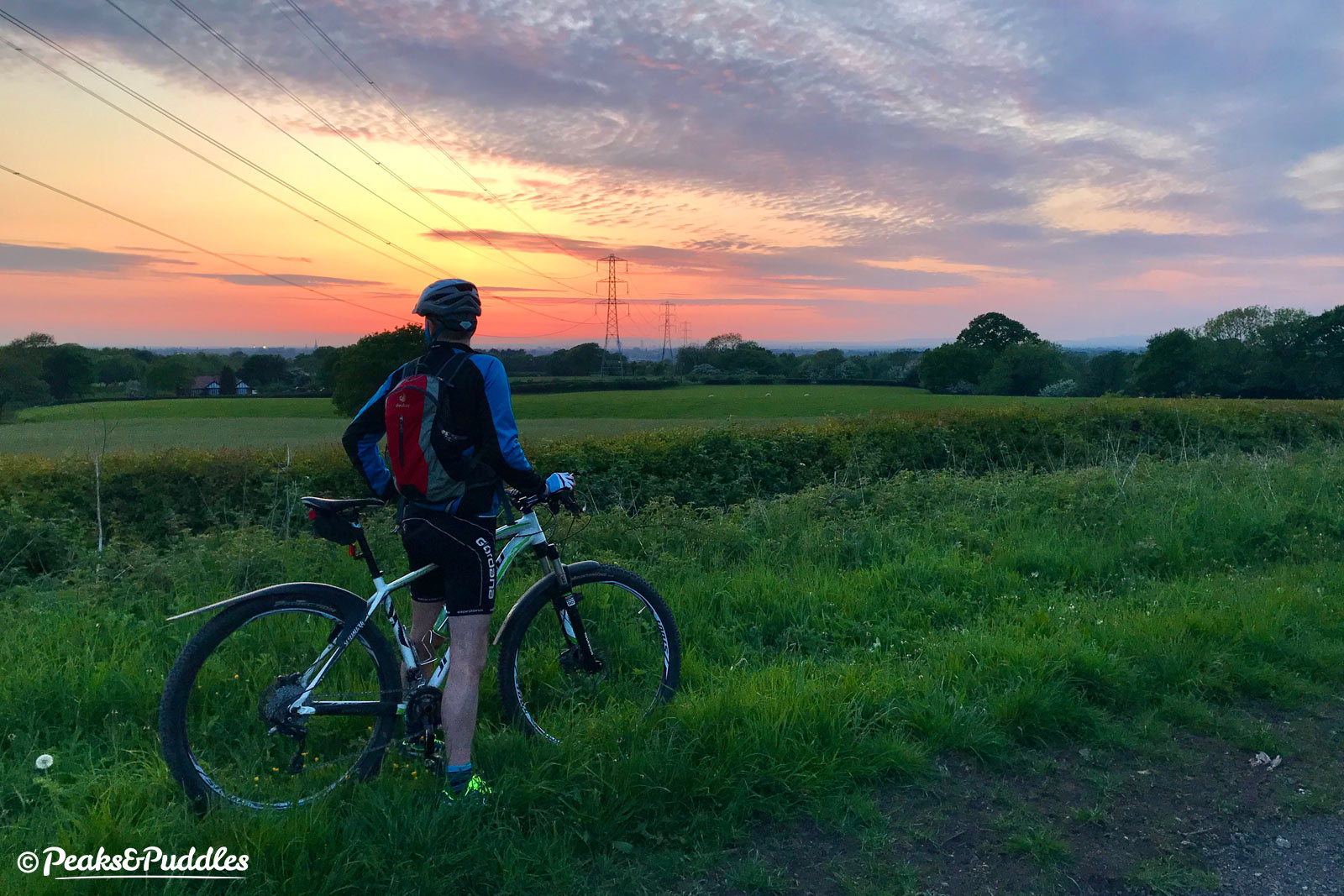 Chasing the sunset on the return trip to Marple is one of the best times to ride the trail, especially as the view opens out with the twinkling lights of Manchester in the distance.