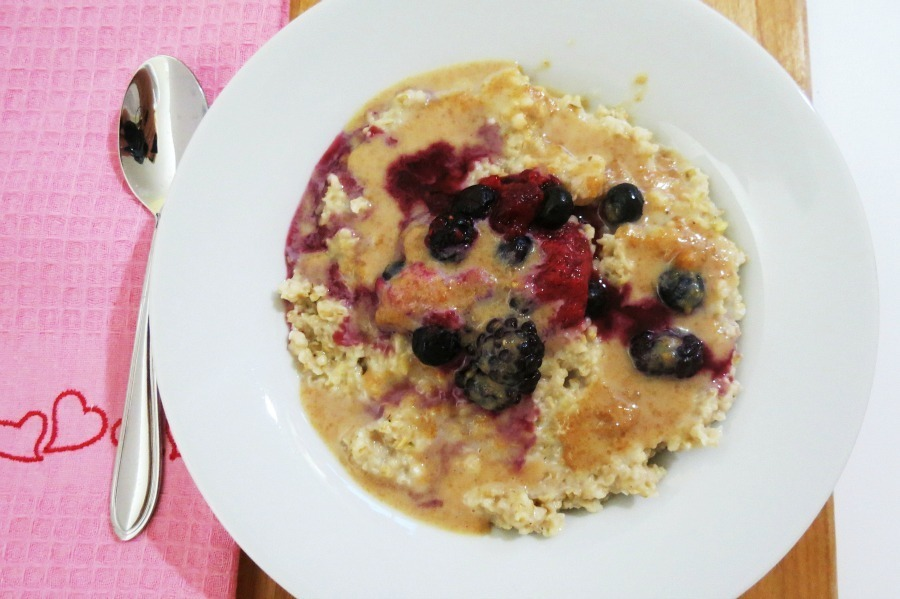 Peanut Butter and Berry Oatmeal