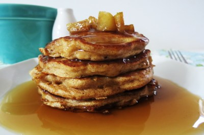 Apples and Cinnamon Pancakes