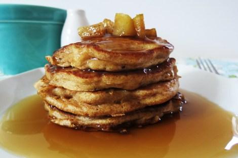 Apples and Cinnamon Pancakes