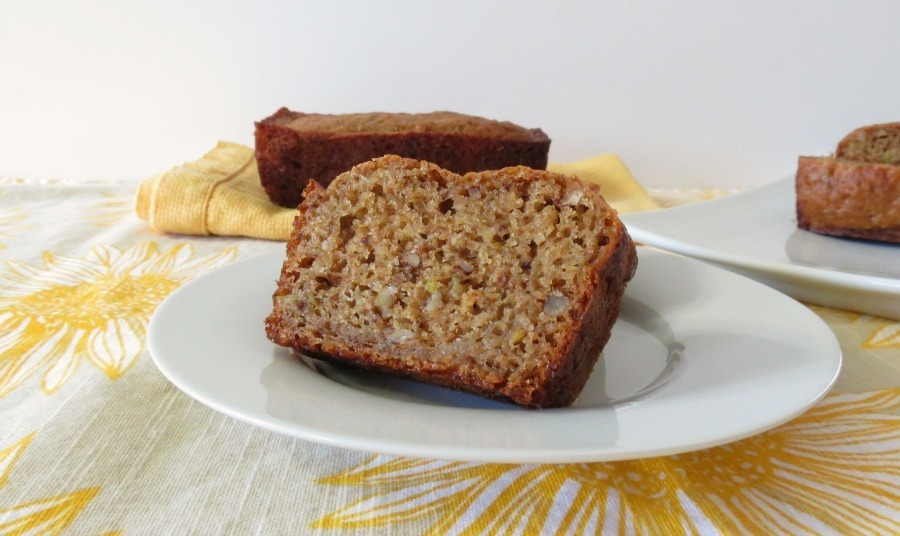 Apples Cinnamon and Walnut Bread